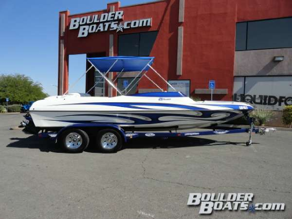 Ultra Boats 21 Stealth Bowrider