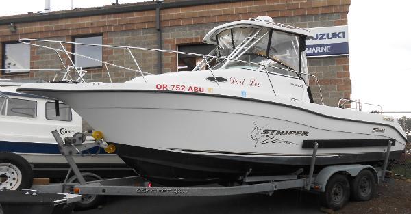 Seaswirl Striper 2601 Walkaround I/O