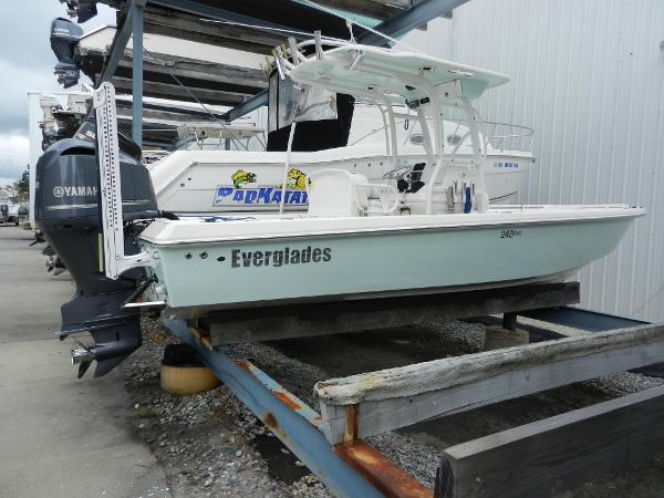 Everglades 243 CC Yamaha 300