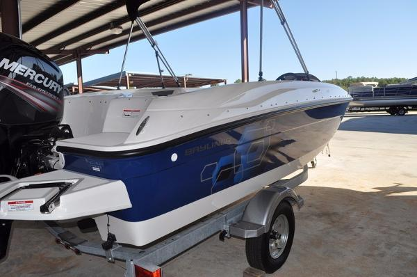 Bayliner Element XL