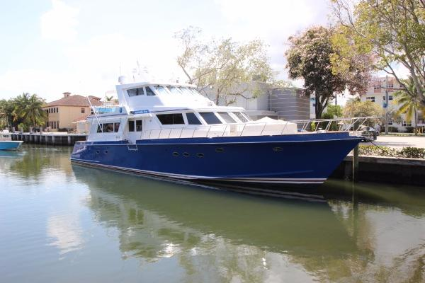 Huckins Enclosed bridge Motor yacht 81' Huckins