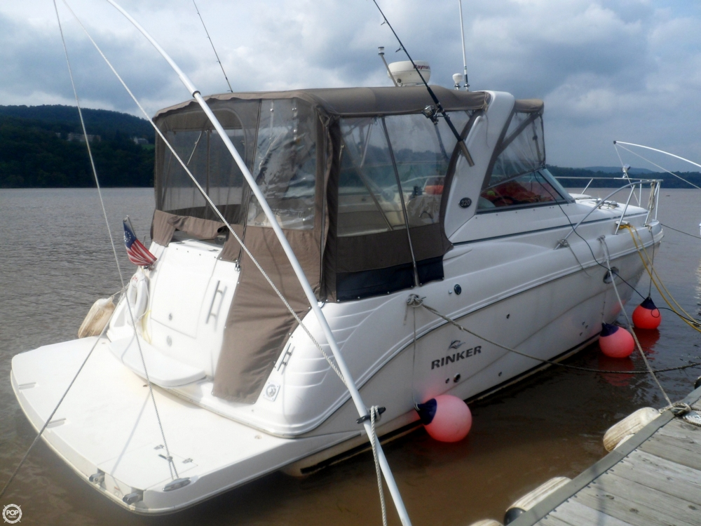 Rinker 320 Express Cruiser 2006 Rinker 320 Express Cruiser for sale in Hyde Park, NY