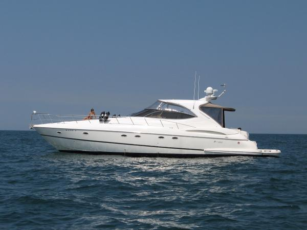 Cruisers Yachts 5470 Express - FRESHWATER ONLY