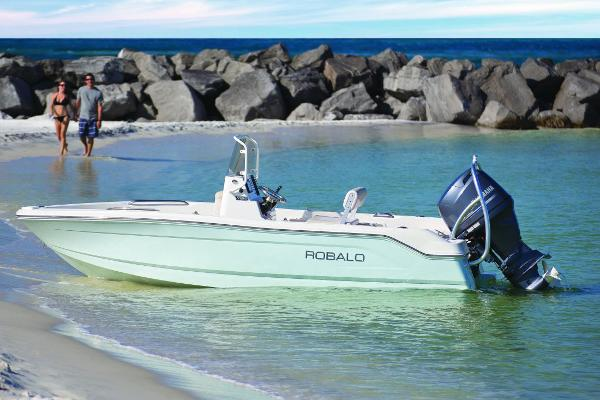 Robalo R160 Center Console Manufacturer Provided Image