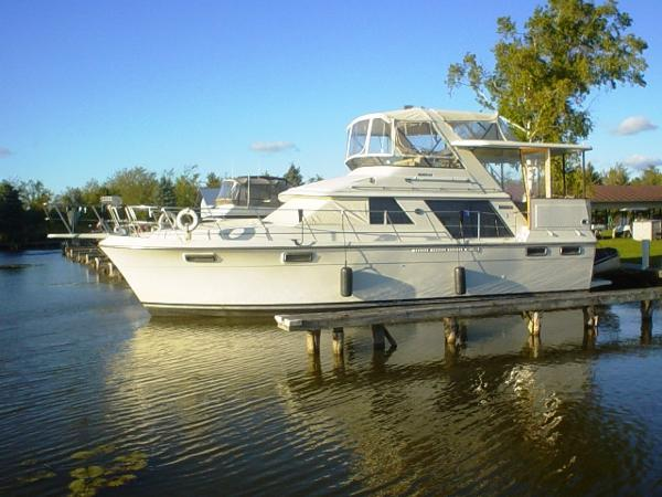 Carver 4207 Aft Cabin Motor Yacht 1988 Carver 4207 Motor Yacht
