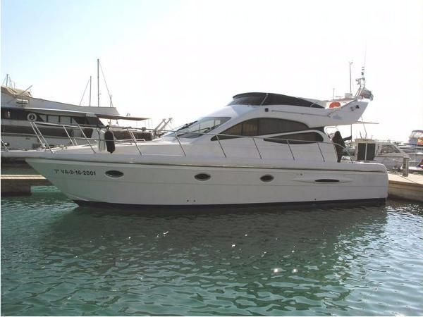 Doqueve Majestic 420 Doqueve 420 similar boat