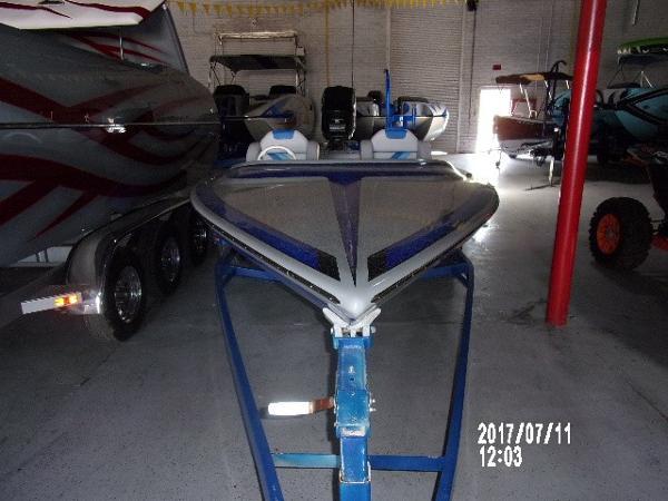 Avenger Ski Boat