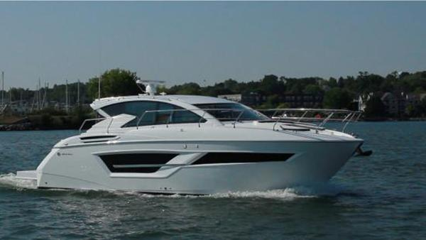 Cruisers Yachts 460 Cantius Cruisers 46 Cantius - Sistership Photo
