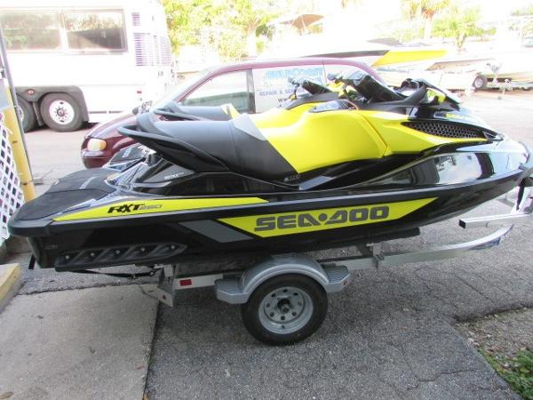 Sea-Doo RXT 260 and GRT 215