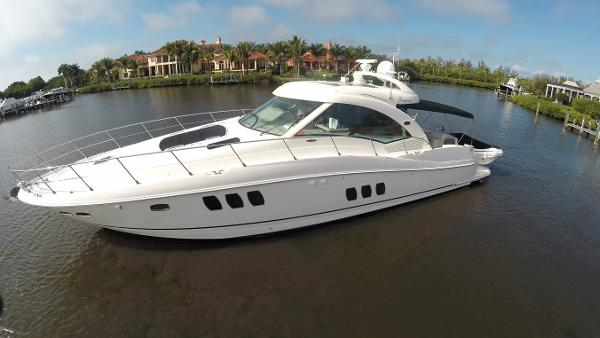 Sea Ray 60 Sundancer Profile
