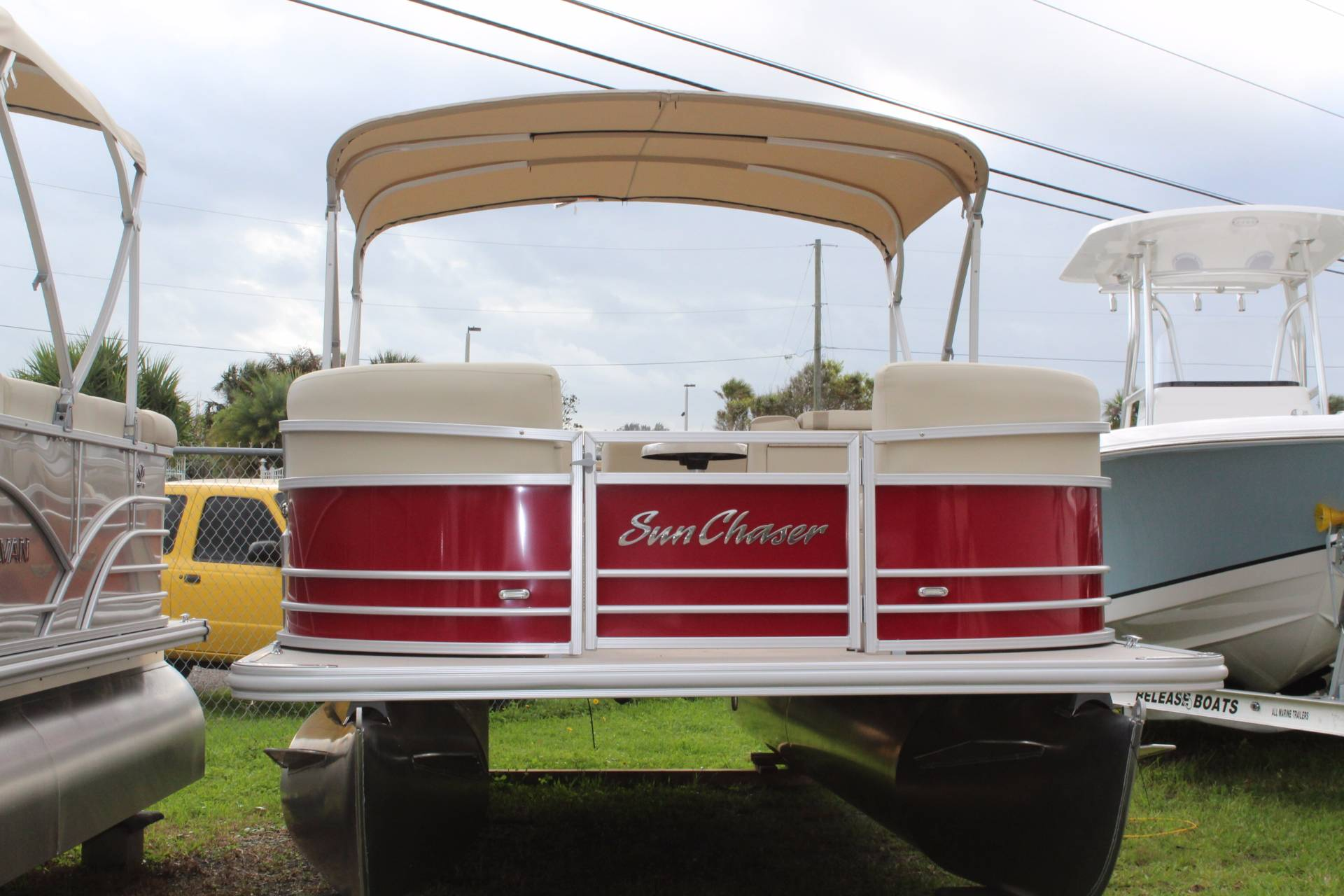 SunChaser 8522 Cruise-N-Fish