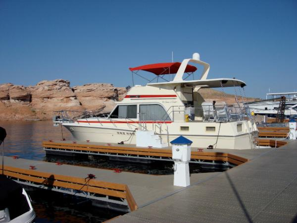 Chris-Craft 425 Catalina