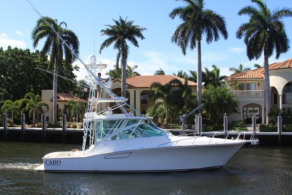 Cabo yachts 40 EXPRESS Starboard Profile
