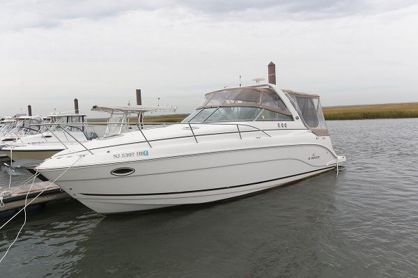 Rinker 300 Express Cruiser Profile