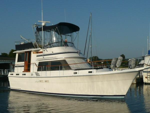 Gulfstar Motor Cruiser Starboard bow