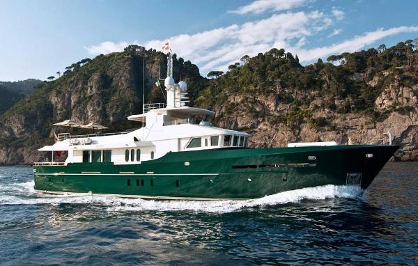 BENETTI SAIL DIVISION 115 World Traveller Grand Cru