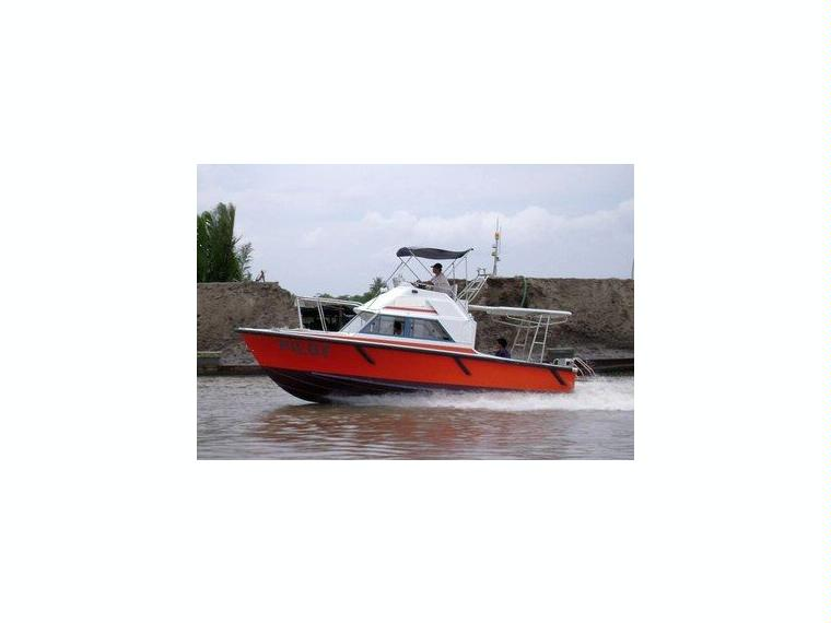 Kajutboot Flyliner 860