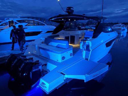 2020 Cruisers Yachts 38 GLS, Fort Lauderdale Florida - boats com