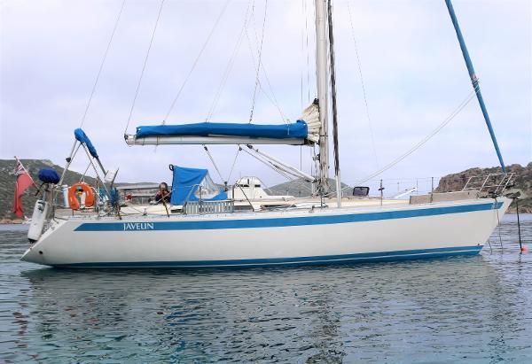Sweden Yachts 390