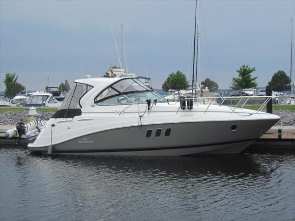 Rinker 360 Express Cruiser
