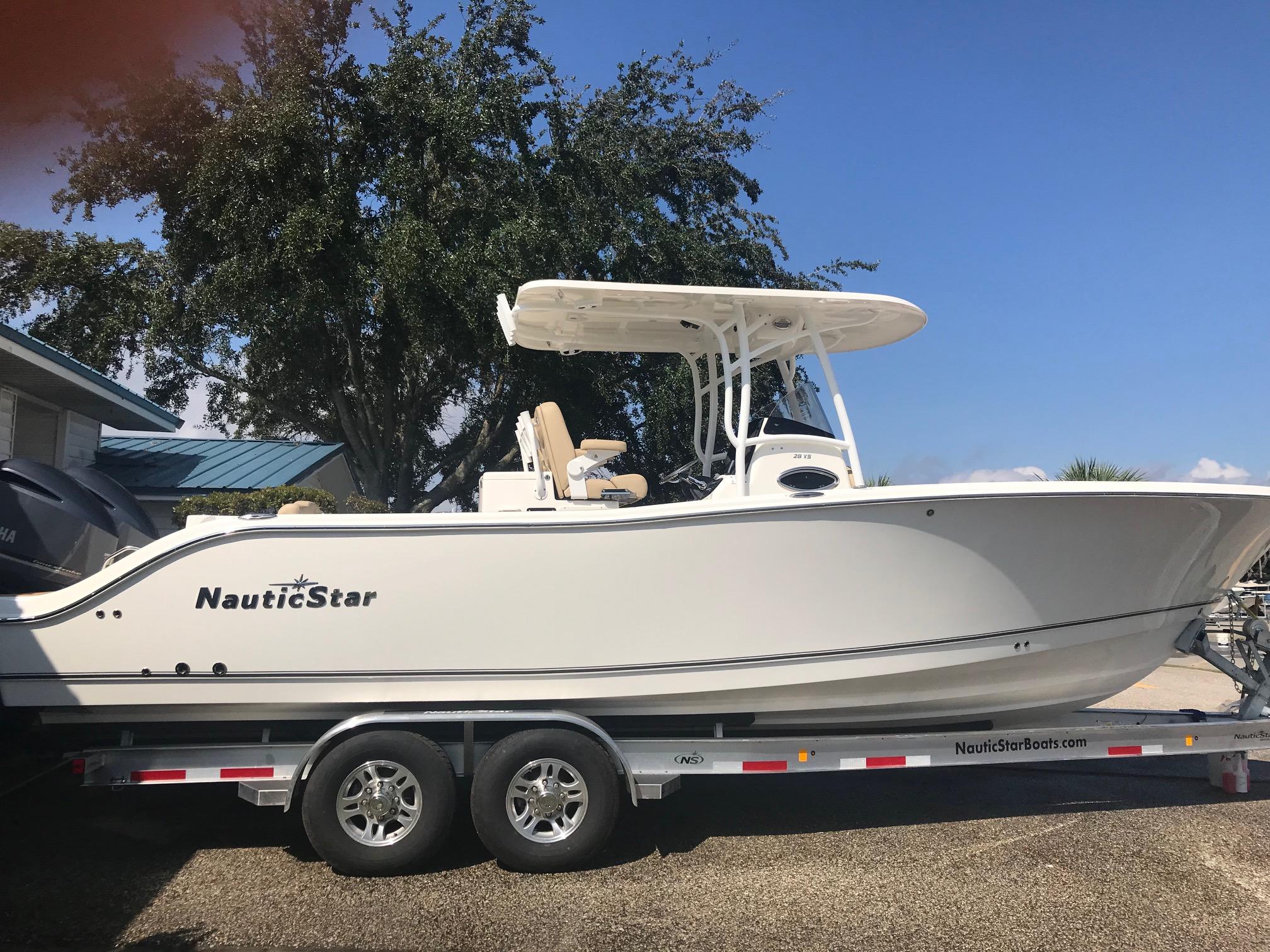 NauticStar 28 XS