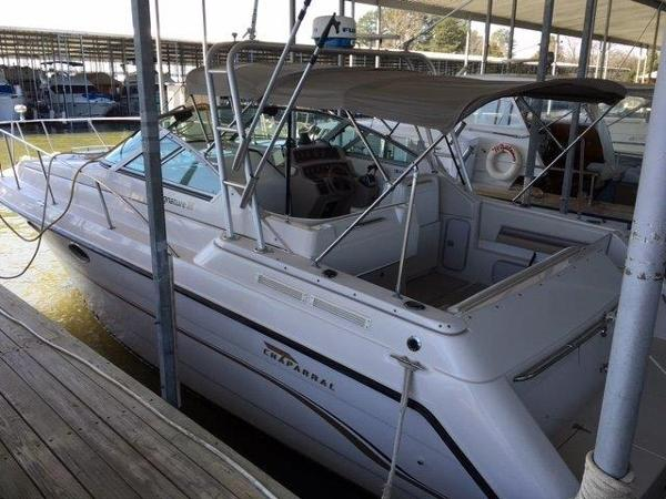 Chaparral 310 Signature Port Side