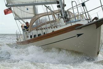 Sailing bow
