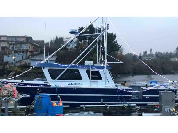 Aluminum Cruiser Fishing, Dive, Charter Boat