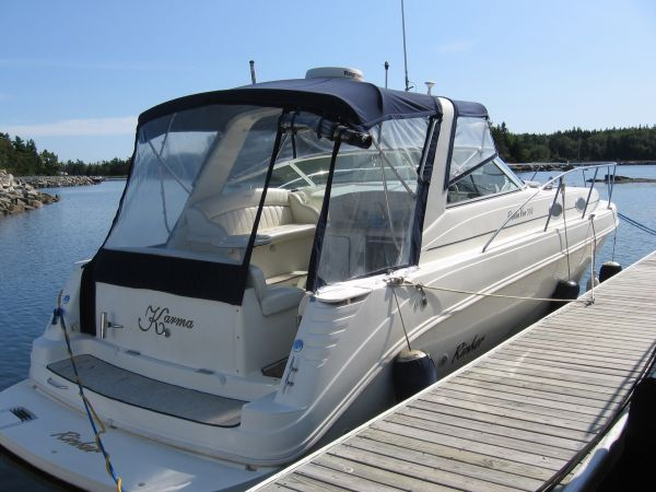 Rinker 330 Fiesta Vee Photo 1