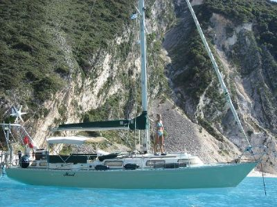 Outer Reef Trident Voyager 35