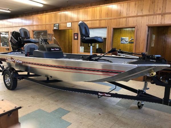 Tracker ® Boats BASS TRACKER® Classic