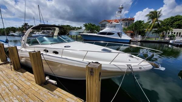 Sea Ray 340 Sundancer Sportsman Profile
