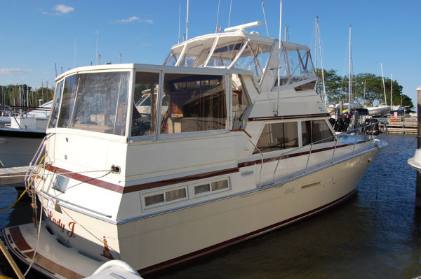 Viking 44 Motor Yacht Photo 1