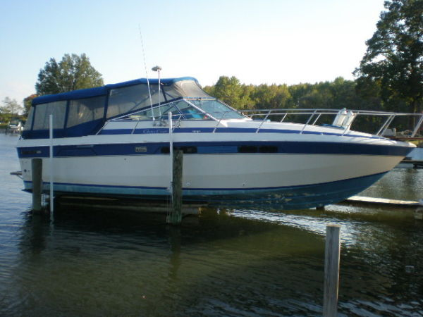 Chris-Craft Commander 336 Photo 1