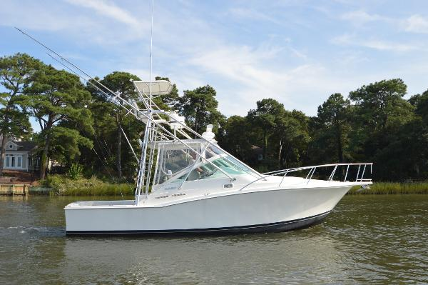 Cabo yachts 31 Express Starboard Profile