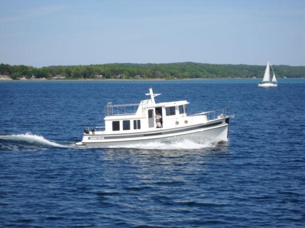 Nordic 32-282 Starboard Profile