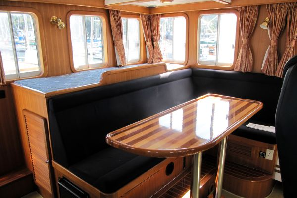 Wheelhouse Aft with watch berth