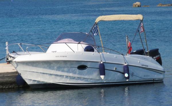 Beneteau Flyer 750 Sun Deck