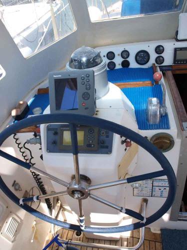 Nautor 50, Helman's cockpit