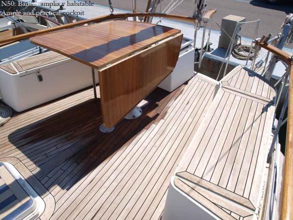 Nautor 50, deck table