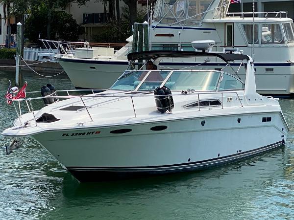 Sea Ray 350 Express Cruiser