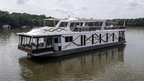 Lakeview Yachts 18 X 75 Houseboat Port profile
