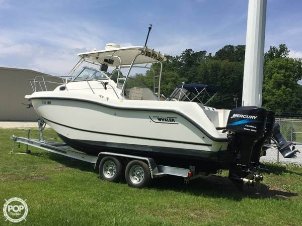 Boston Whaler Conquest 255 2003 Boston Whaler 25 for sale in Georgetown, SC