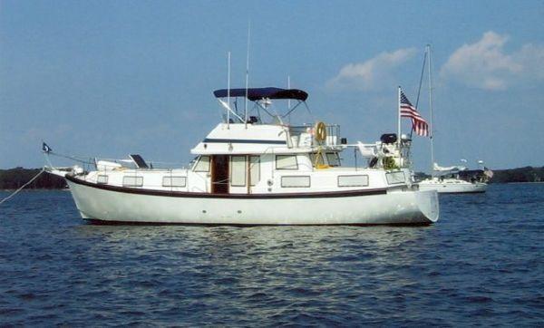 1985 50' Schucker Fiberglass Trawler /Sail Boat Hull