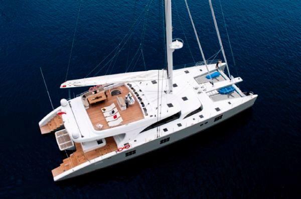 102 Catamaran