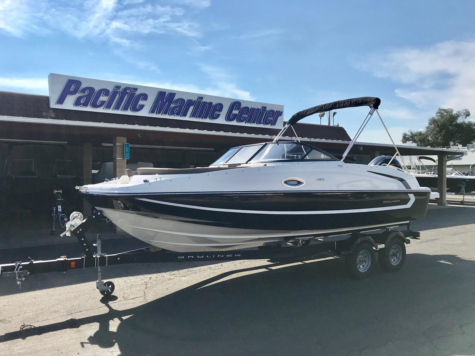 Bayliner 210 Deck Boat w/ 150 HP Mercury!