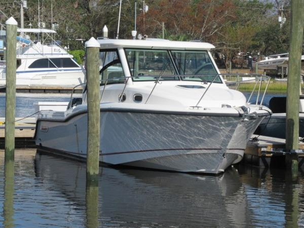 Boston Whaler 315 Conquest At rest at her dock