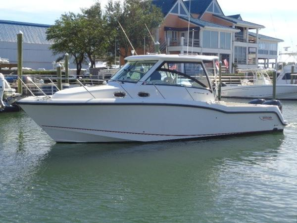 Boston Whaler 315 Conquest 315 Conquest exterior profile away from the dock