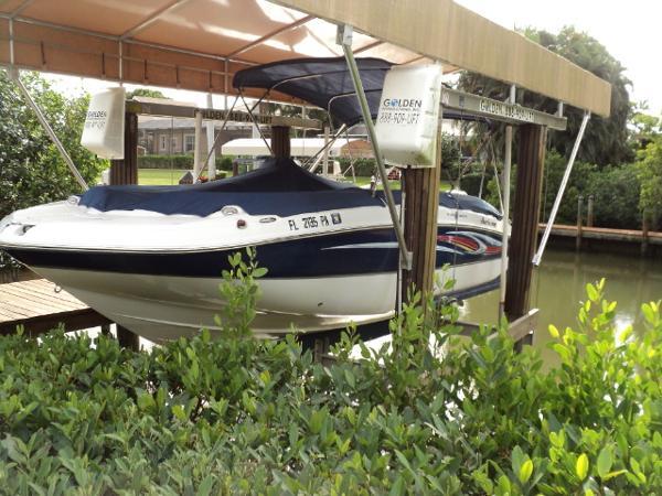 Hurricane SunDeck Sport 220 OB