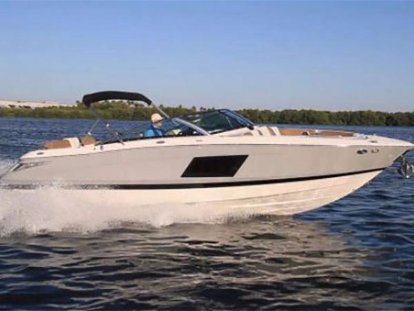 Four Winns H290 Boat